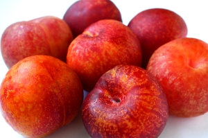The Pluot® (pronounced PLEW-ott, not ploo-OH).